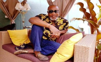 France: le chanteur congolais Koffi Olomidé condamné à deux ans de prison avec sursis.