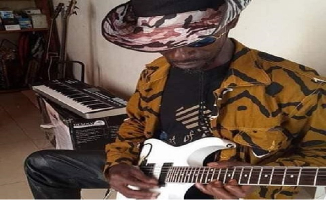 Tino Baroza : Une virtuose de la guitare solo au Cameroun est décédée.