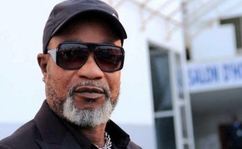 RDC: le chanteur Koffi Olomidé interpellé en lien avec ses chansons censurées.