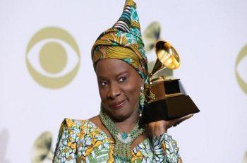 Angélique Kidjo : elle rafle son 4e Grammy Awards devant Burna Boy.