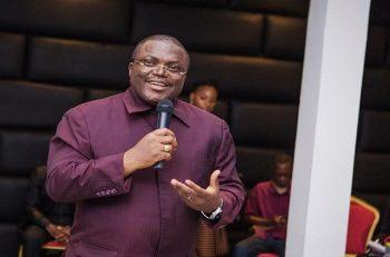 COVID 19 : Samuel Dieudonné Ivaha Diboua, réapparait et rend gloire à Jésus-Christ.